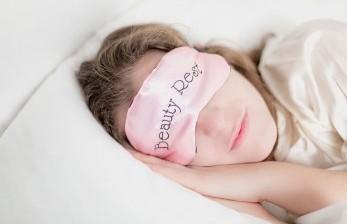 Dokter Bagikan Rumus 10-3-2-1 untuk Bantu Tidur Nyenyak