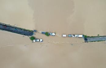 In Picture: Banjir Rendam Jalur Penghubung Purbalingga-Banyumas