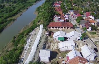49 Titik Tanggul Sungai Citarum di Kabupaten Bekasi Kritis