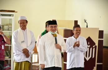 Gubernur Babel Sampaikan Bantuan dan Zakat Ke Masjid Annajah