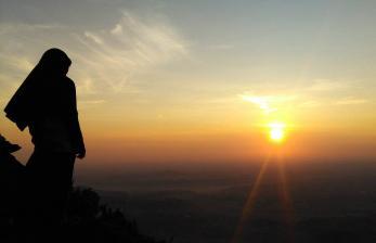 Kisah Putri Pertama Nabi Adam: Iklima yang Cantik Memesona