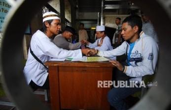 'Menertibkan' Dunia Perzakatan di Indonesia