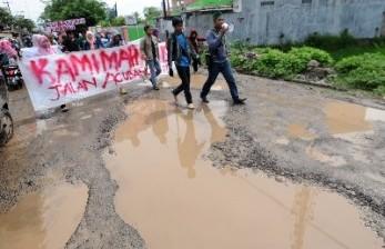 Sejumlah Jalan Nasional dan Provinsi di Lampung Rusak