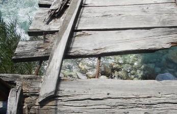 Jembatan Penghubung Tambun-Bekasi Nyaris Putus