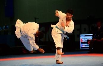 Donny Darmawan Beri Motivasi Pelatih Karate