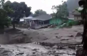 Saat Banjir Bandang Landa Gunung Mas Puncak