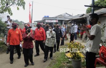 Ketua DPR RI Tinjau Vaksinasi Massal di Cibinong