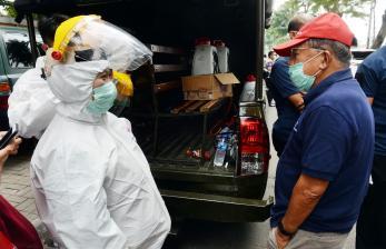 In Picture: JK Pantau Penyemprotan Disinfektan di Wilayah Jakarta