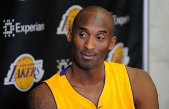 Pengukuhan Kobe Bryant di Museum Basket Naismith Ditunda