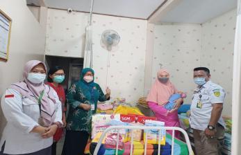 Baznas Bantu Bayi yang Ditemukan di Tempat Pembuangan Sampah
