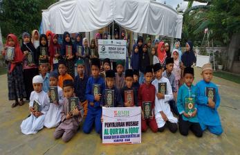 BMH Serahkan Quran dan Dana Pembangunan Saung Tahfidz