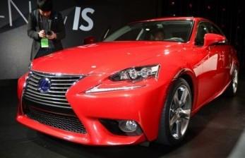 Situasi Global tak Kundusif, Lexus Tunda Rilis Sedan IS