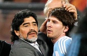 Saat Messi dan Maradona Pertama Kali Berbagi Lapangan