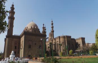 Pesona Masjid Bersejarah di Kairo