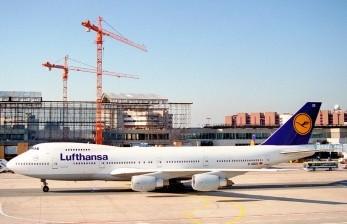 Maskapai Lufthansa Target Tingkatkan Modal 3 miliar Euro