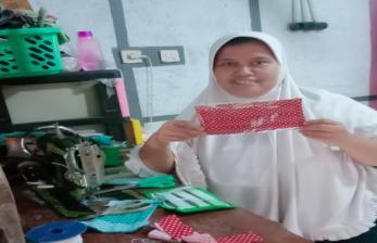 Dompet Dhuafa Libatkan Alumni Jabar Bagja Produksi Masker