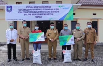 Masyarakat Air Belo Terima Kartu BPJS Ketenagakerjaan