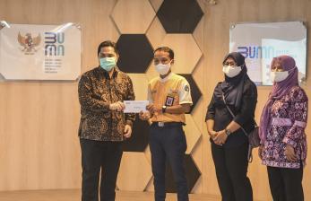 ET Beri Hadiah Kepada Petugas KCI Penemu Uang Rp 500 Juta