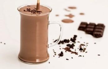 Minum Cokelat Terbukti Tingkatkan Fungsi Otak