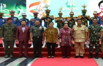 Mayjen Dudung di Antara Patung Sukarno dan Gatot Nurmantyo