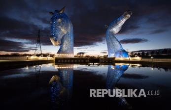 In Picture: Monumen Kelpies di Skotlandia Disinari Warna Biru