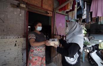 Dompet Dhuafa Bersama Bango Bagikan Daging Kurban