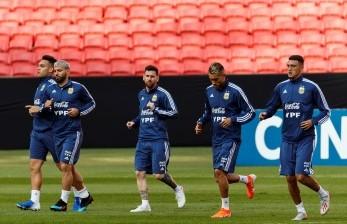 Pelatih Argentina Senang Jika Martinez Bermain dengan Messi