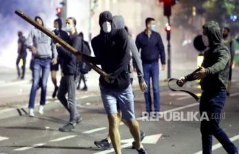 Protes Penanganan Covid-19 di Serbia Meluas
