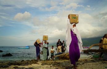 BWA Antarkan Alquran Wakaf untuk Warga NTT Kepulauan