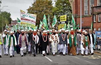 Muslim Inggris Berparade Rayakan Maulid Nabi