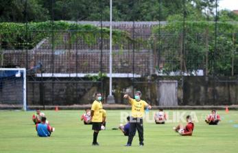 Pelatih Bali United Sampingkan Rekor Baik Kontra Persib