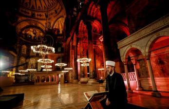 Media Yunani: MA Turki Putuskan Hagia Sophia Jadi Masjid
