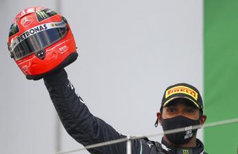 Lewis Hamilton Puji Aksi Verstappen