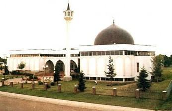 Peran Penting Masjid Al Rashid Bagi Islam dan Kanada