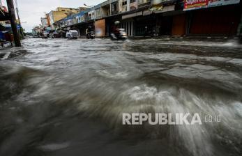 Sejumlah Wilayah di Kota Surabaya Terendam Banjir