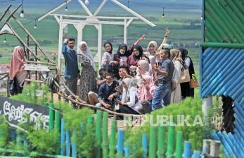 In Picture: Libur Lebaran di Tempat Wisata Bumdes