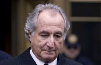 Disgraced Ponzi scheme architect Bernie Madoff dies