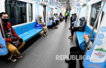Anies: Penumpang dan Jam Operasional Transportasi Dibatasi