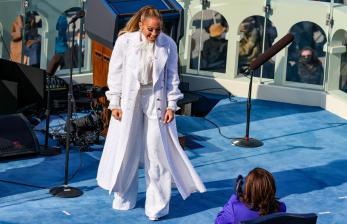 Dukung Program Vaksin Covid-19, J-Lo Ikut Konser Amal