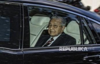 Mahathir Mundur, Anwar Ibrahim Merapat ke Istana Negara