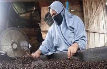 Menjaga Cita Rasa Kopi Aceh dengan Olahan Tradisional
