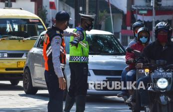 In Picture: Aturan Ganji Genap di WIlayah Kota Tasikmalaya