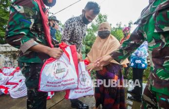 TNI AD Kirimkan 4.623 Koli Bantuan untuk Kalsel dan Sulbar
