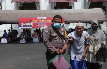 Polda DIY Salurkan Bantuan Tunai untuk PKL