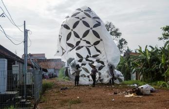 Tim Gabungan Amankan Balon Udara di Wonosobo