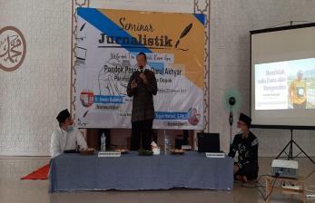Ponpes Darul Akhyar Gelar Seminar Jurnalistik