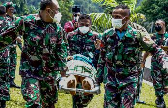 Nakes korban KKB di Kiwirok Bantah Dr Restu Pegang Senpi
