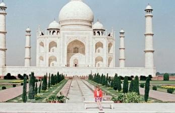 Menyaksikan Kemegahan Islam Lewat Masjid Taj Mahal