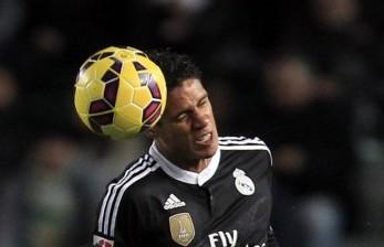 Zidane Simpan Varane Saat Madrid Menuju Markas Bilbao