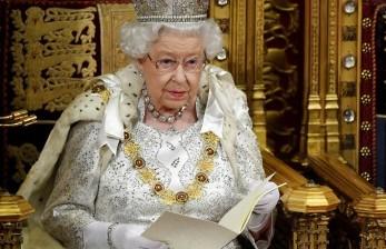 Ratu Elizabeth Dorong Warga Inggris Bersedia Divaksinasi